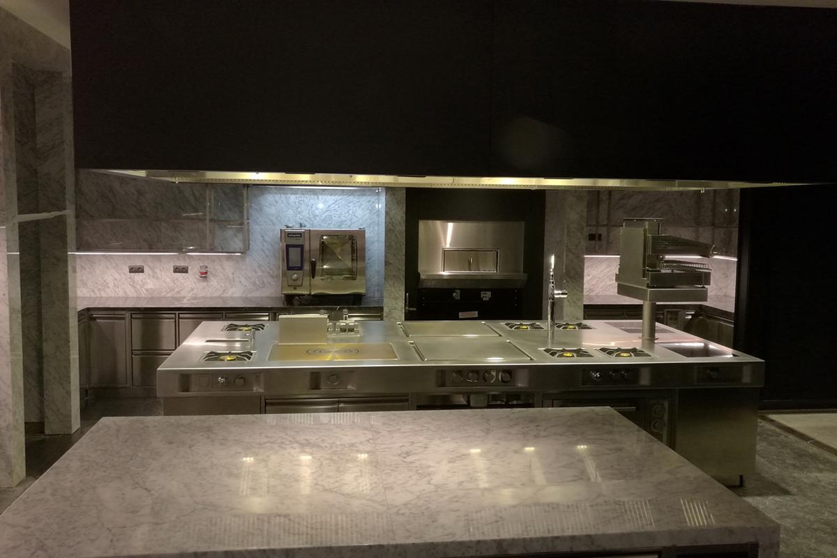 Fairmont Quasar IST speciality kitchen