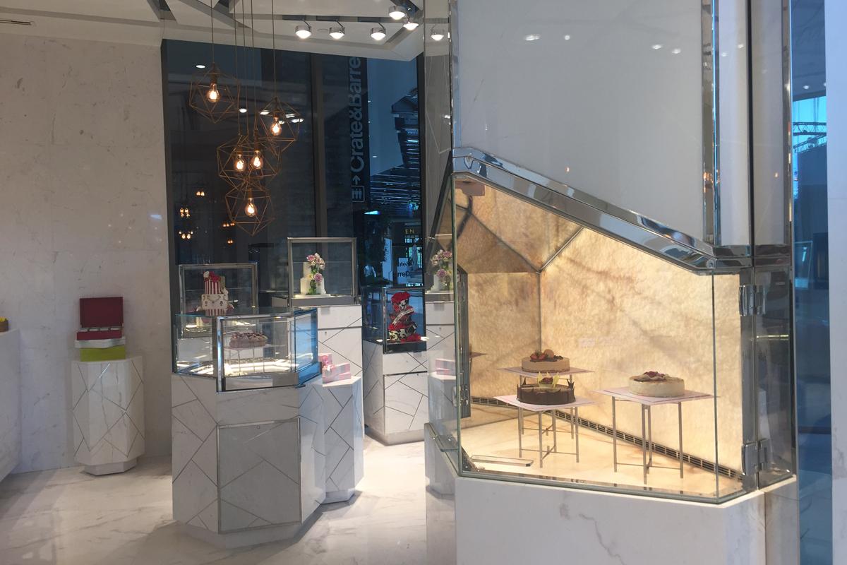 Raffles Zorlu Center IST Pastry Shop